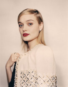 Bella Heathcote at Chanel Métiers d'Art, 2016